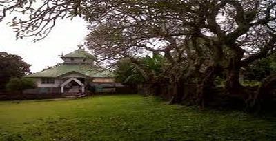 Benteng Keraton Liya Togo