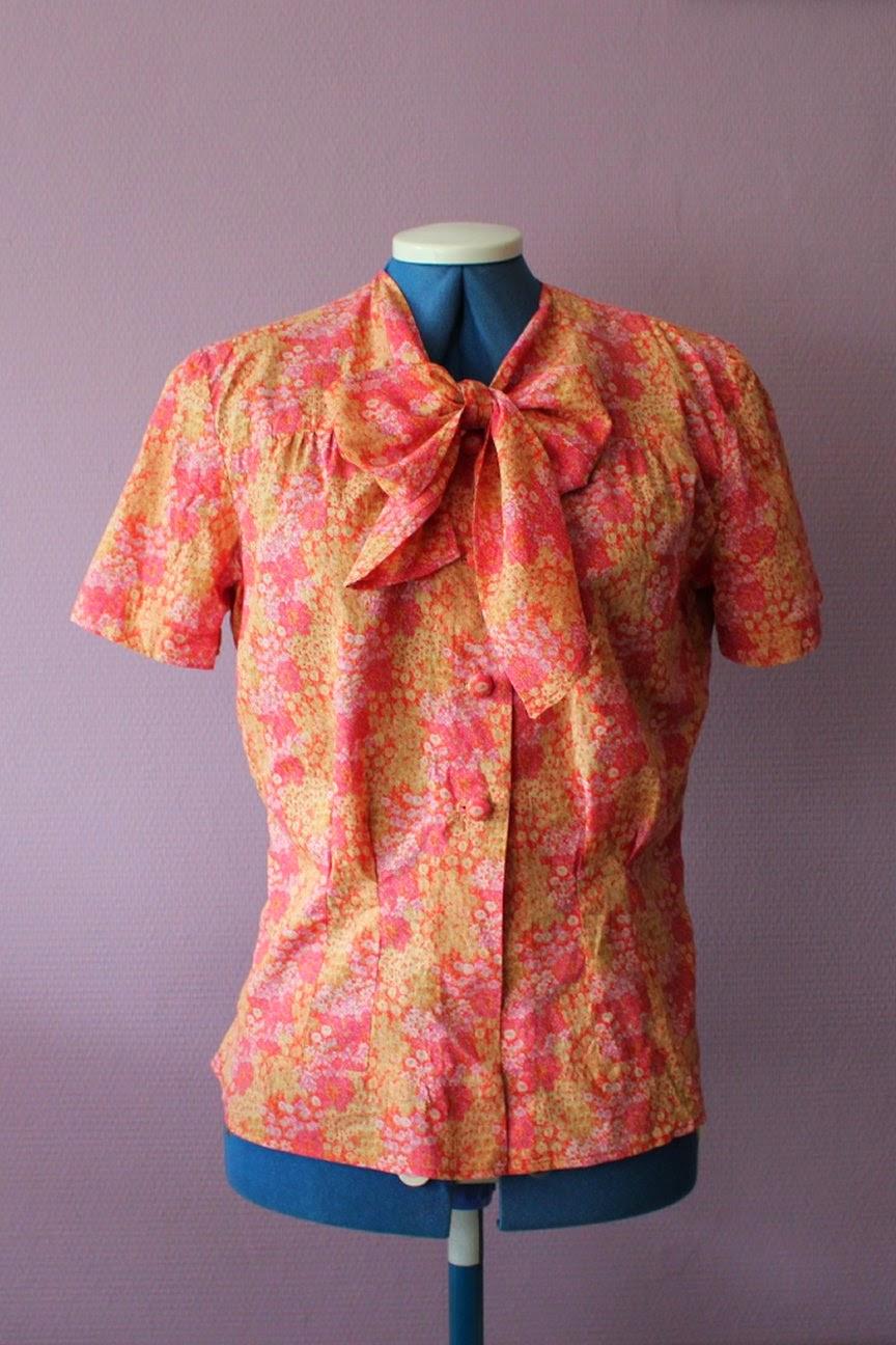 http://misshendrie.blogspot.nl/2014/04/1940s-blouse.html