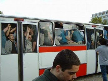 iamge of crowded bus