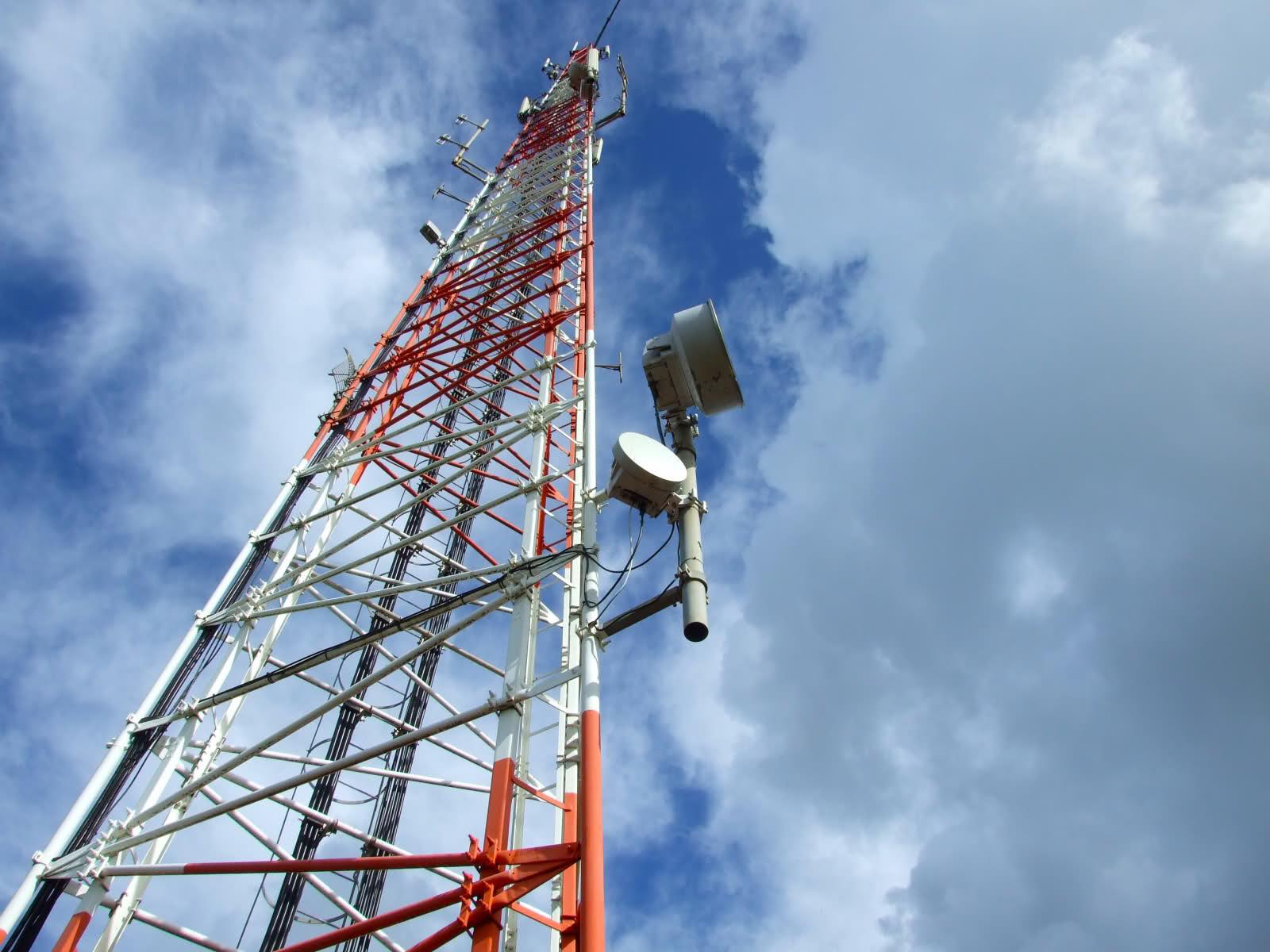 Kominfo Selesaikan Penataan Ulang Frekuensi 800 dan 900 MHz