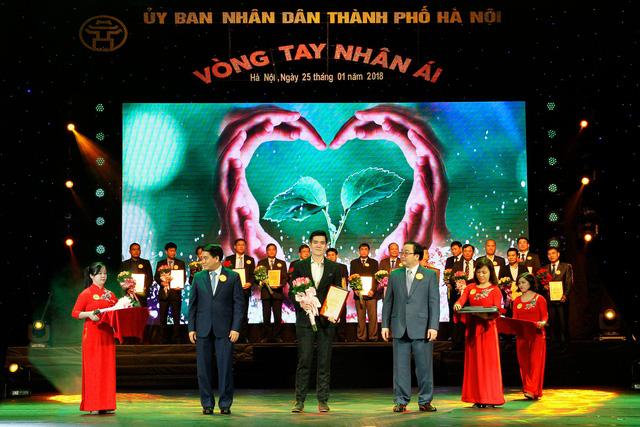 Công ty Khai Sơn ủng hộ quỹ Nhân ái