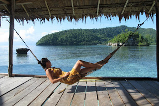 """<a href=""""http://mataram.info/things-to-do-in-bali/wooow-omg-top-10-tourist-selfies-in-front-of-balis-erupting-mount-agung-once-in-lifetime-picture/"""">Indonesia best time to visit</a> : Arborek Tourism Hamlet Of Raja Ampat"""