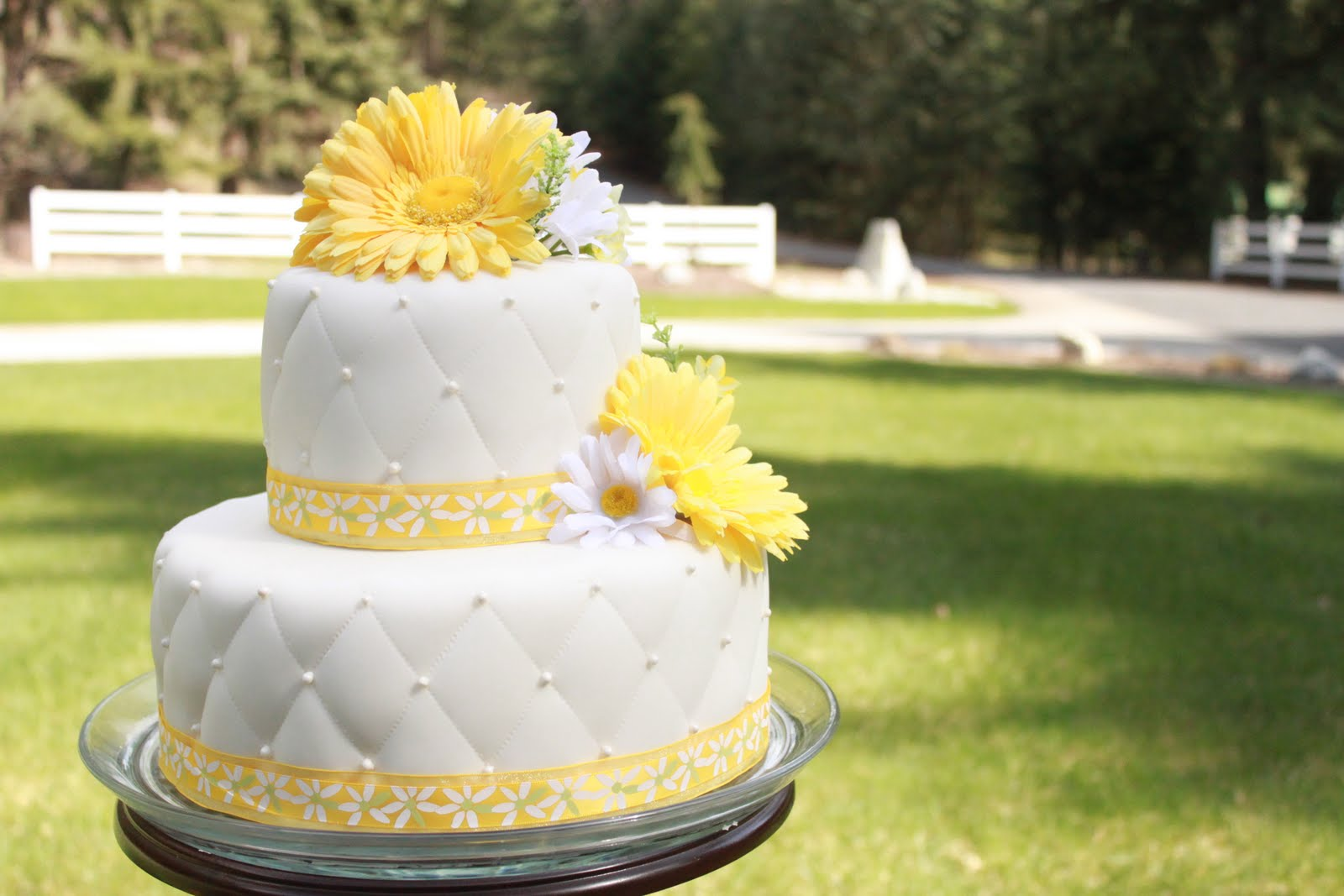 Reese S Pieces And Me Daisy Wedding Cake