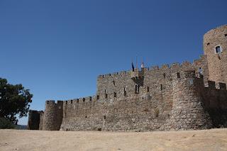Castillo de Ladrada en moto el viajero motero