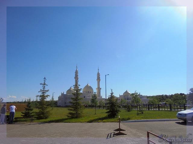 вход в белую мечеть