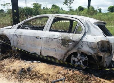 Corpo carbonizado é encontrado dentro de veículo incendiado no Litoral Sul da Paraíba