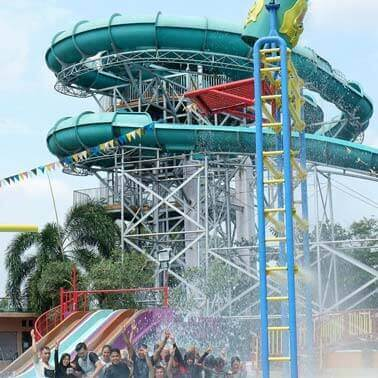 Waterboom Lembah Hijau