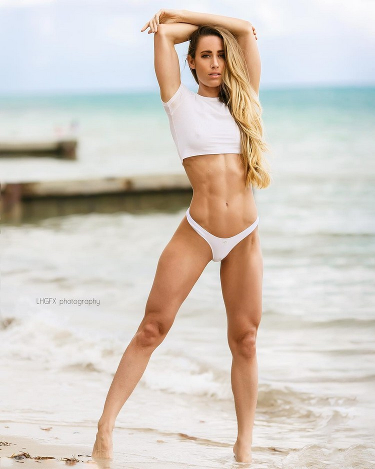 Valentina Lequeux fitness coach and model