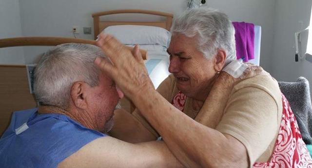 Recogen firmas para que dos ancianos enfermos puedan pasar juntos sus ultimos años de vida