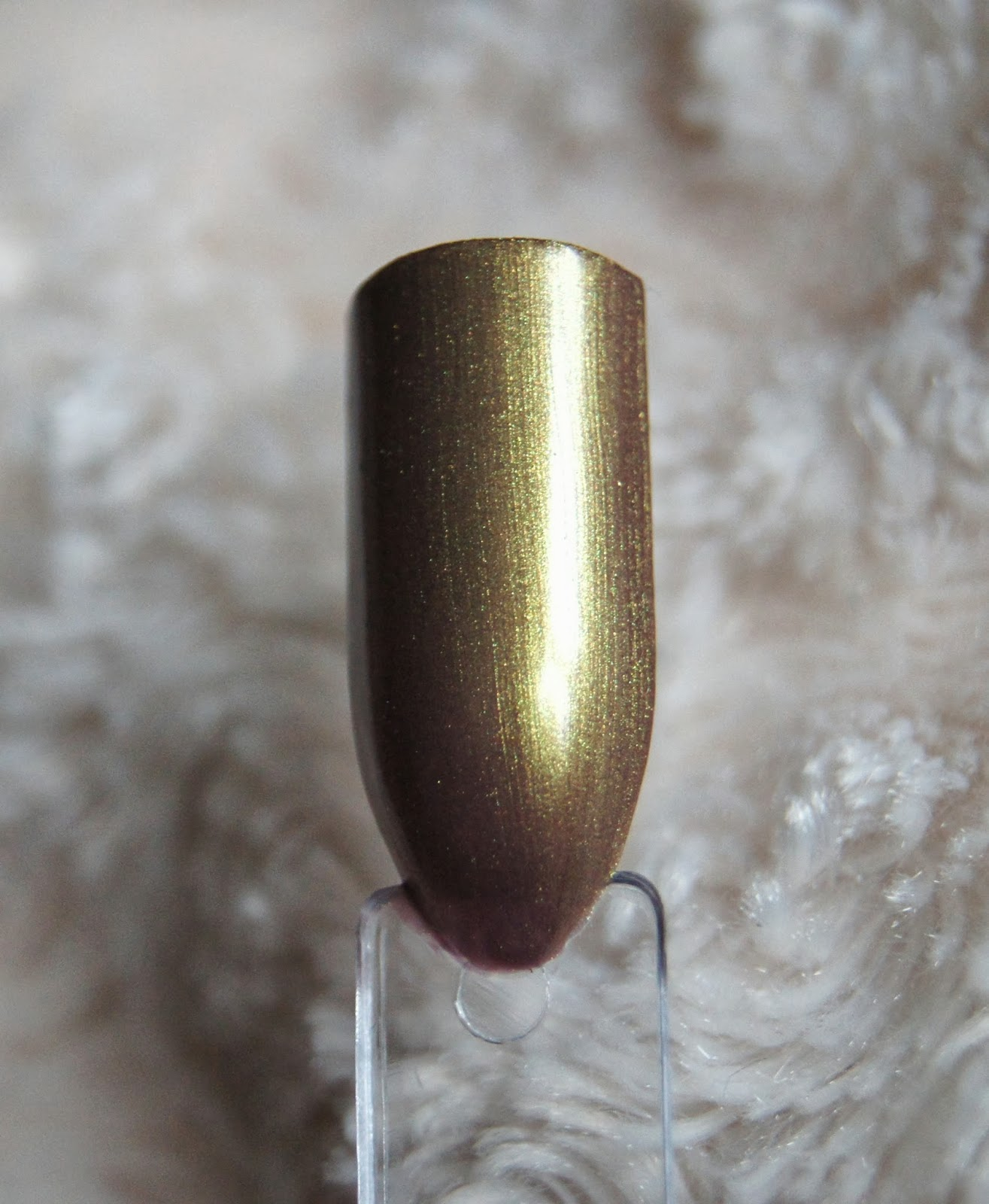 rimmel metal rush nail polish gold save the queen swatch