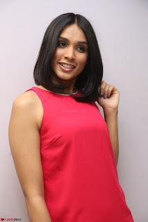 Spatika Surapaneni in Red Tight Dress at FBB Miss India 2017 finalists at Telangana auditions Feb 2017 (64).JPG