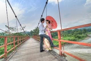 Foto pre wedding di Jembatan Tinjomoyo, Semarang