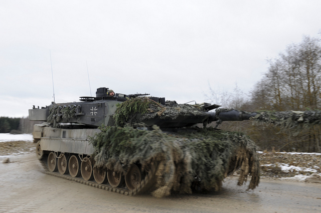 German Leopard 2 main battle tank camouflage pic