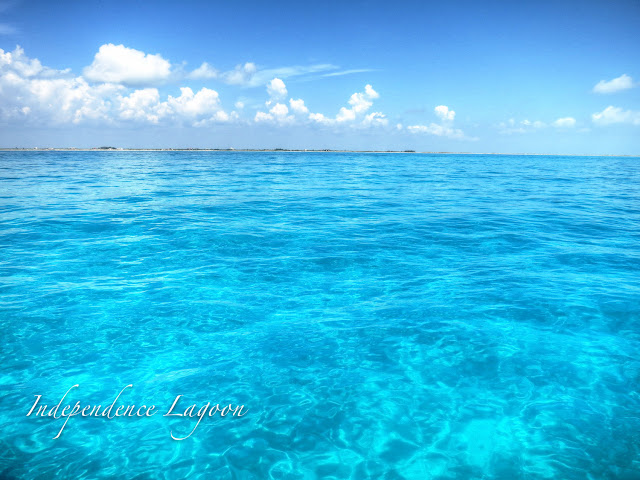 blue water sailing in Cancun, Mexico
