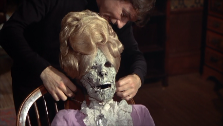 Roddy McDowall and his mother's corpse from It! (1967)