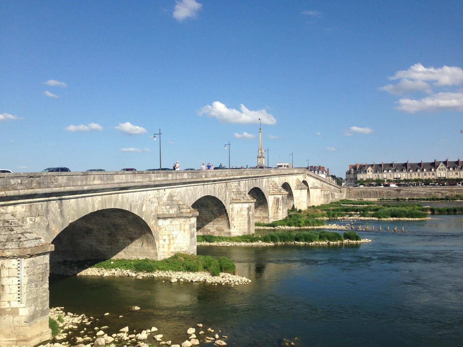 Blois, most do Blois, droga rowerowa nad Loarą