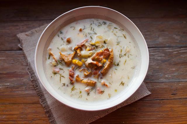 Zupa z kurkami i kukurydzą