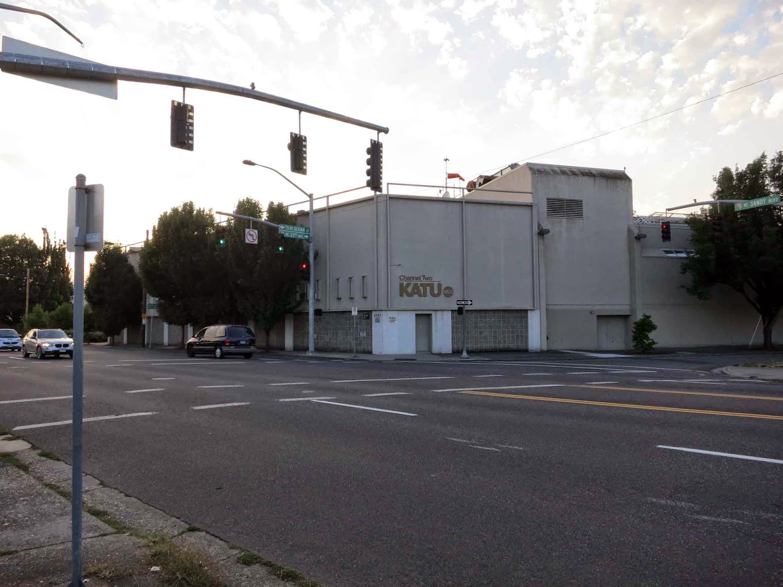 The ZehnKatzen Times: [PDX] The Studios of Portland: KATU