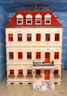 http://emma-j1066.blogspot.co.uk/2015/03/classic-victorian-mansions-with-extra.html