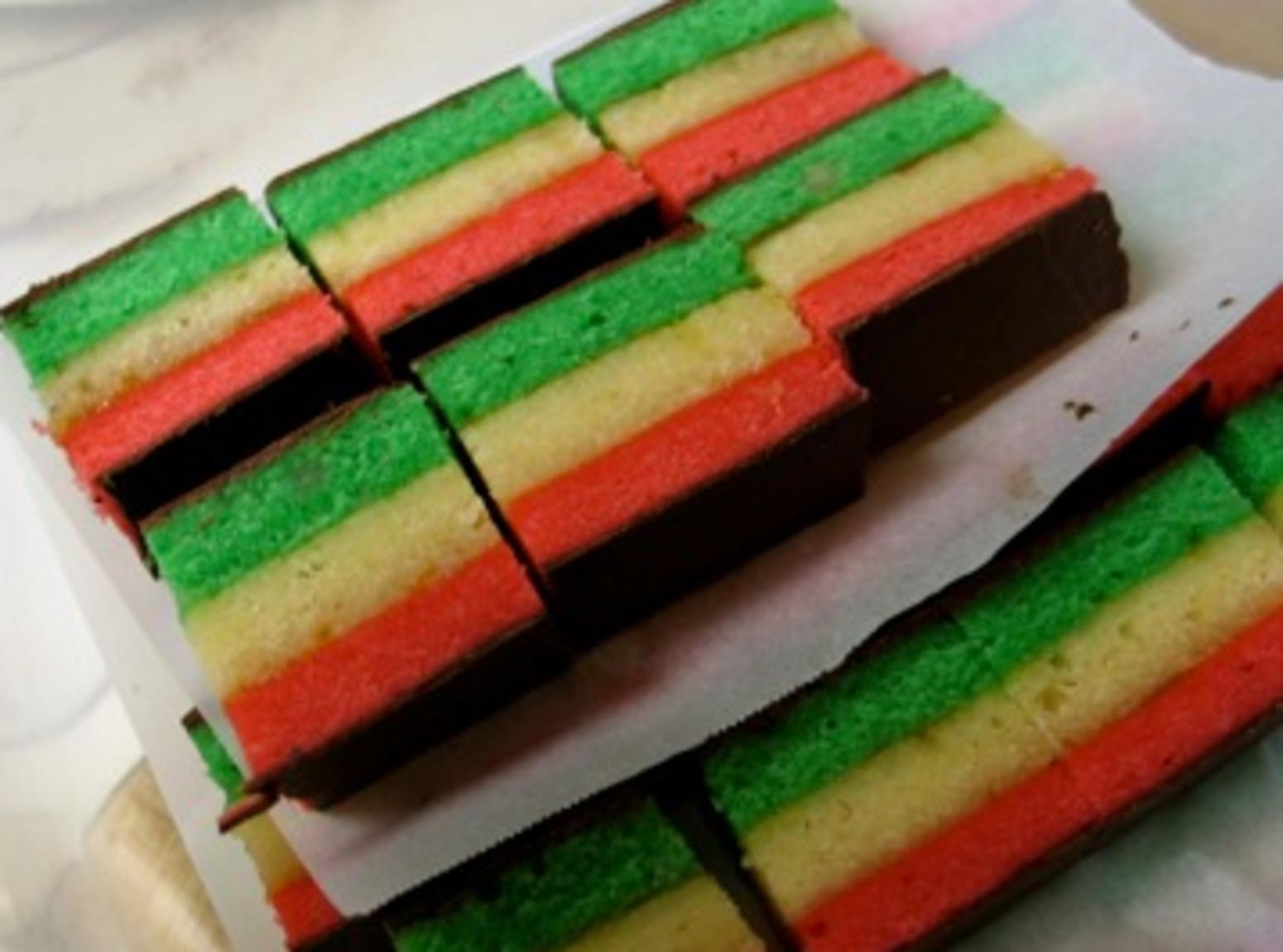 Rainbow Cake Recipe Italian: Art By ASM, It's In There....: Tricolori, Italian Rainbow