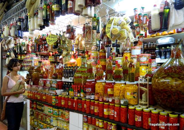 Balcão de pimentas no Mercado Central de Belo Horizonte