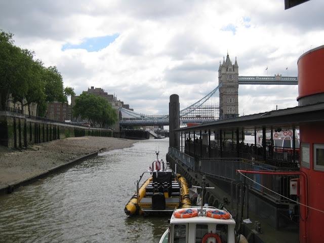 Bootsanleger an der Themse, London