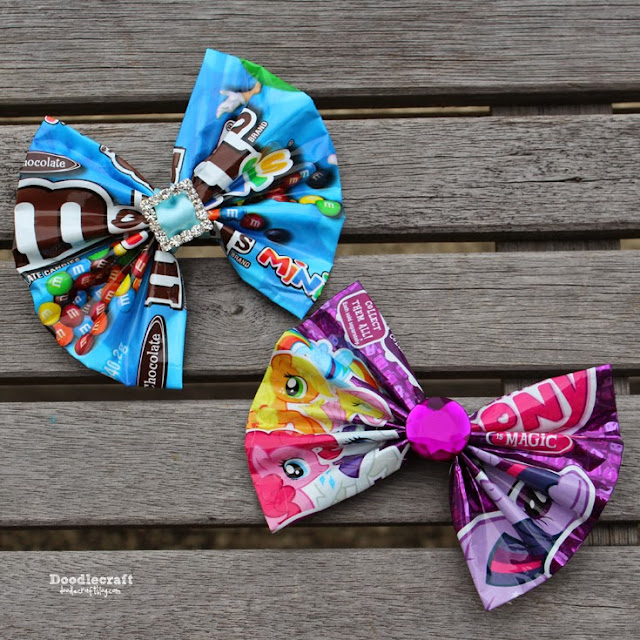 http://www.doodlecraftblog.com/2015/05/candy-wrapper-hair-bows-or-bowties.html