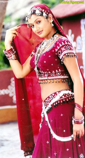 Sonia agarwal look hot