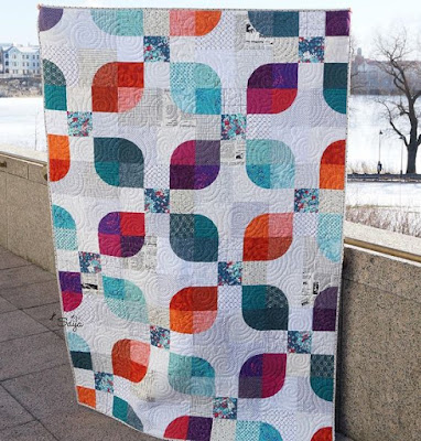 Nine Patch Curves Quilt Saija Elina