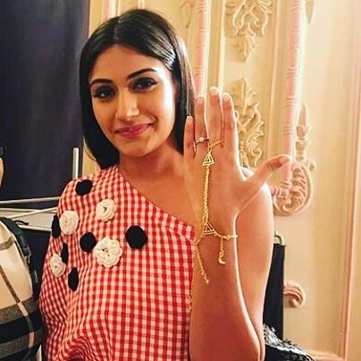 Poise Passion Ishqbaaz Fashion Jewellery Trends To Follow Anika Amp Gauri Jewellery