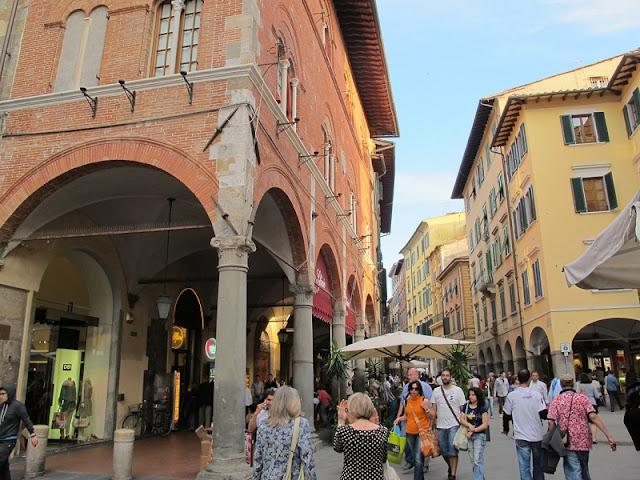 Borgo Stretto em Pisa