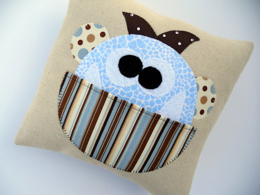 Just Another Hang Up Manfred Tooth Pillow Pattern Is
