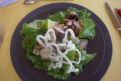 Salade de chatrou grillé parfum créole, blog Délices à Paris.