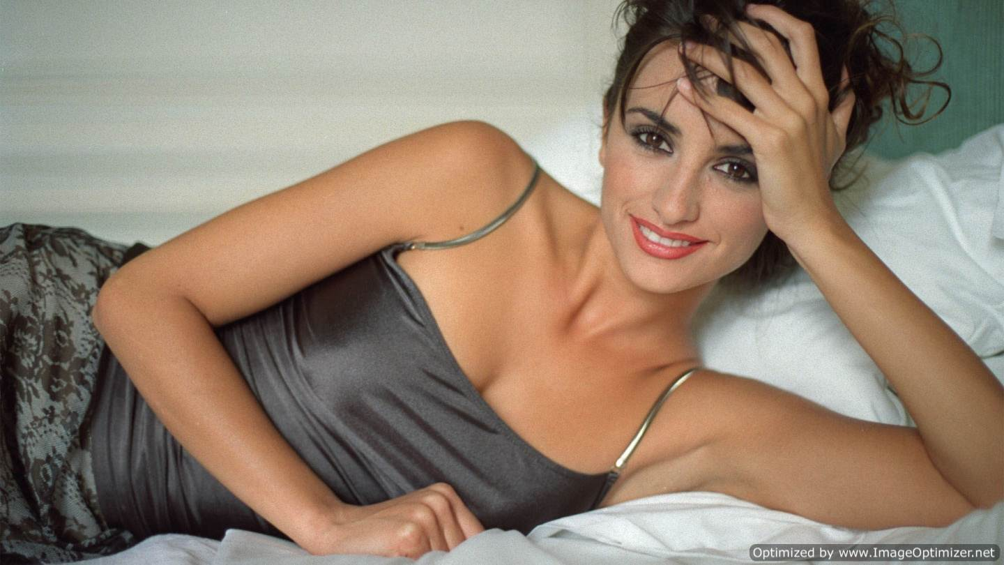 Penelope Cruz Hot HD Wallpapers Download Free | Global Celebrities Blog