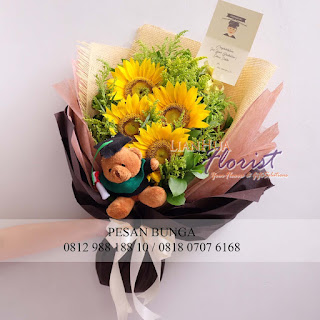 jual boneka wisuda, toko bunga dijakarta, jual handbouquet bunga plastik, florist jakarta, madame florist, handbouquet ucapan kelulusan