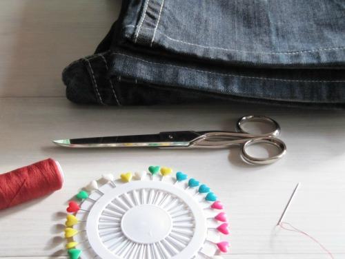 Materiales para hacer cestas con tejanos reciclados