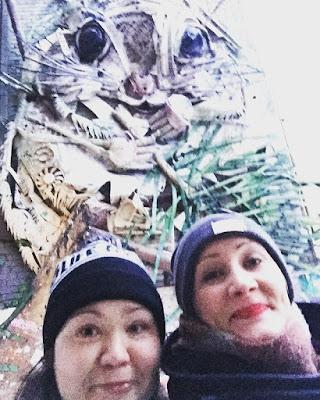tallinnan orava ja kaksi naista