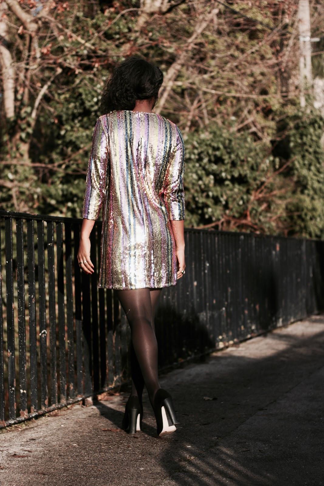 robe-paillettées-pour-fête-de-fin-d'année