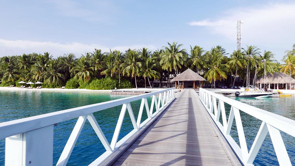 Euriental | fashion & luxury travel | Conrad Maldives