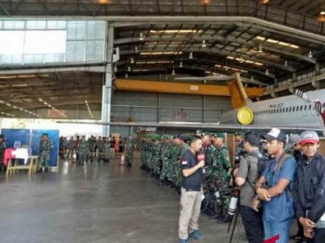 TNI-Polri Evakuasi 15 Jenazah dari Yigi ke Wamena Secara Estafet