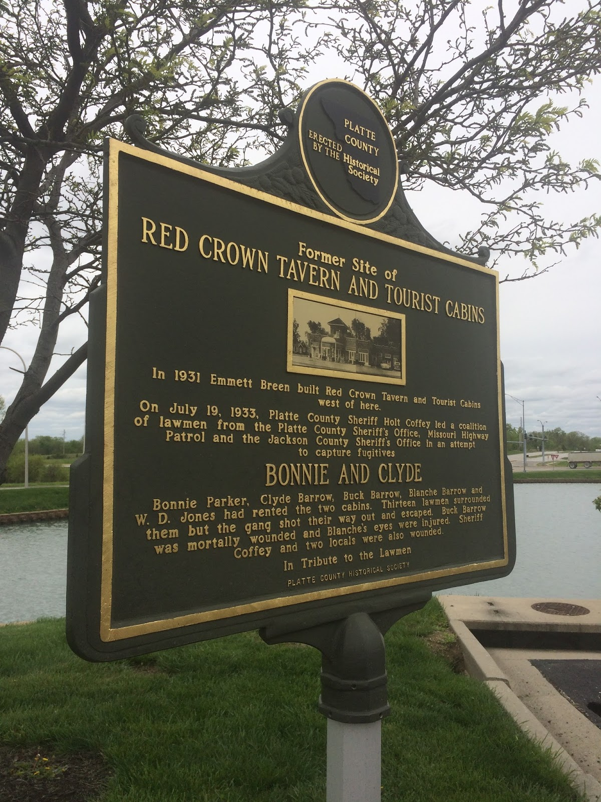 Bonnie and Clyde Hide-out Shoot Out, The Red Crown Tavern and Red ...