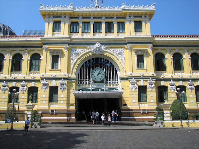 central post office saigon ho chi minh vietnam