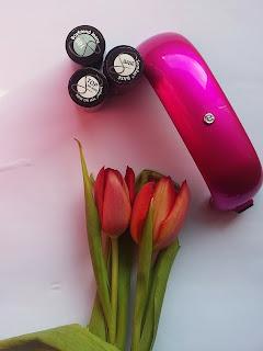Mała , różowa , elegancka - Po prostu świetna .