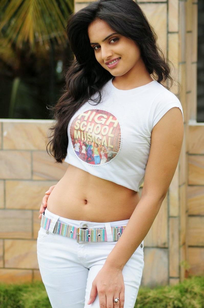 Zarine Khan Cute Wallpaper Actress Ritu Kaur Hot Navel Show Stills Cine Gallery
