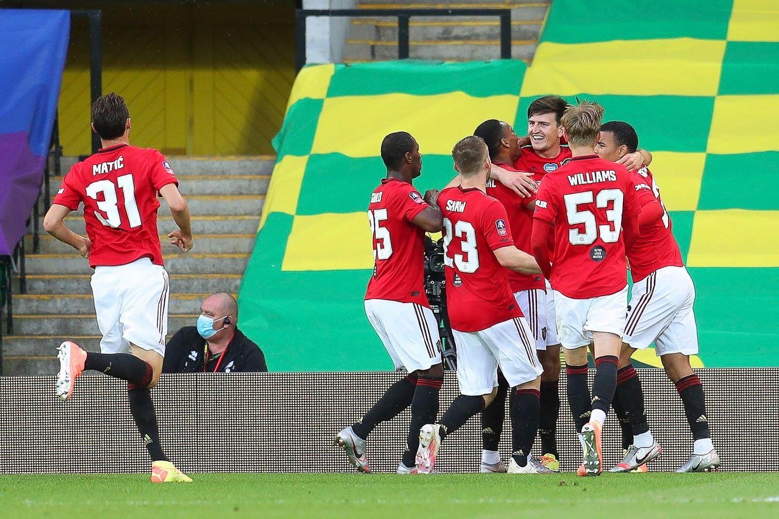 Con Sergio Romero en el arco, Manchester United ganó sobre la hora y está en las semifinales de la FA Cup