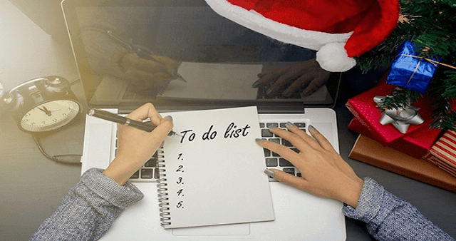 5 Tips To Stay Organized at Work During Holiday Season