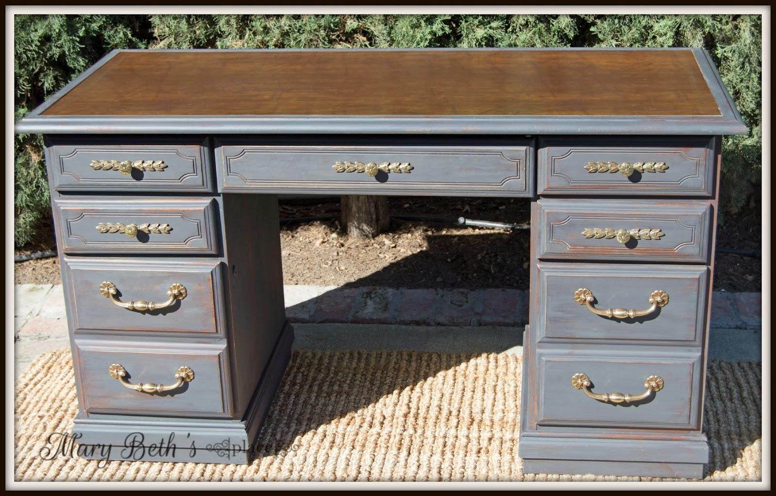 mary beth 39 s place restoring a vintage leather desk. Black Bedroom Furniture Sets. Home Design Ideas