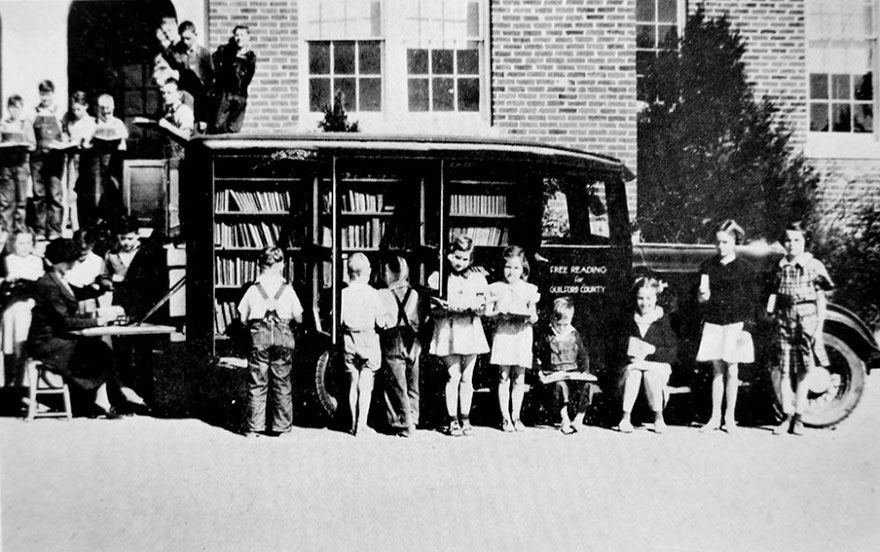 Before Amazon, We Had Bookmobiles 15+ Rare Photos Of Libraries-On-Wheels - Greensboro, North Carolina, 1936