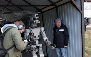 Russian Humanoid Robot 'Fedor' Learns to Shoot Using Both Arms