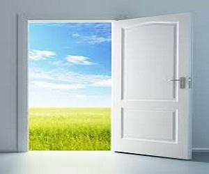 Pensando en el silencio for Puerta que se abre sola